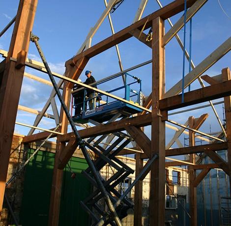 Herberg Tiengemeten opnieuw opbouwen van de spanten